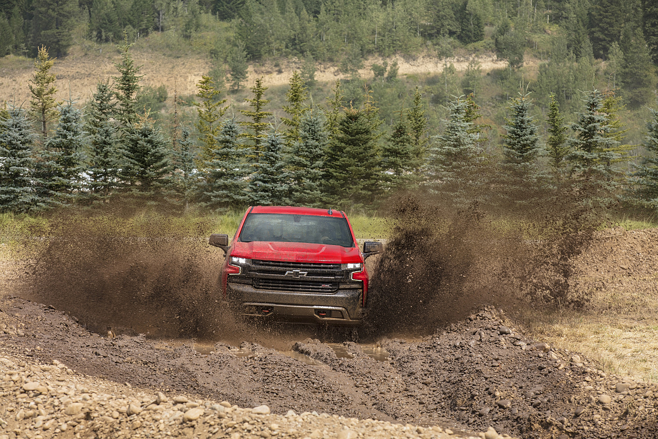 Chevy Silverado: A Boss for the Trails